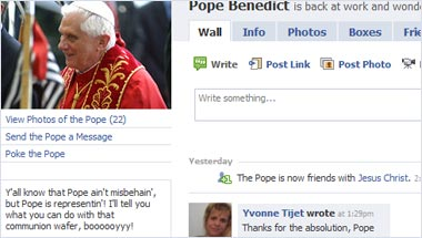 Pope Benedict Tops 1,000 Facebook Friends