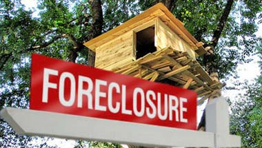 GMAC Foreclosures Included Treehouses, Forts