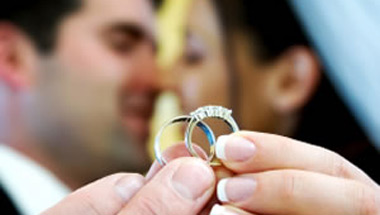 Study: Straight Marriage Wicked Good For Gay Health